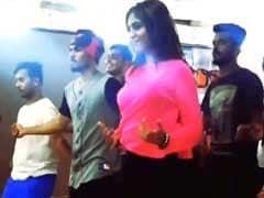 अर्शी खान ने 'मेरे रश्के कमर' पर यूं की डांस रिहर्सल, वीडियो हो गया वायरल
