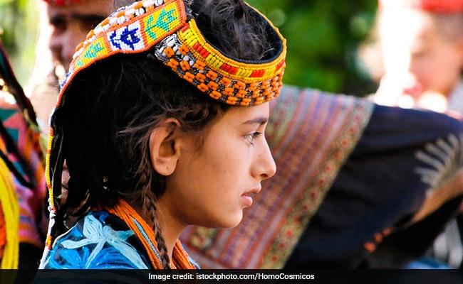 अफगानिस्तान में 10 साल तक लड़का बनकर रही ये लड़की, पीछे की वजह है Shocking
