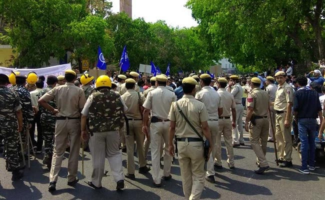 Massive Jams In Heart Of Delhi As Dalit Protesters Take Out March