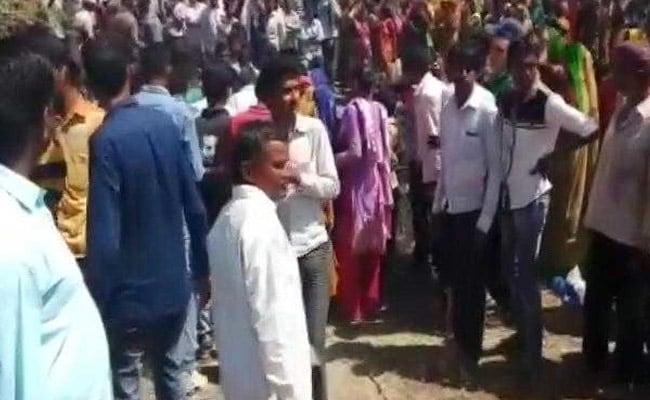 पत्रकारों ने चुनाव नामांकन के दौरान हुए हमले का विरोध किया, ममता ने दावा किया खारिज