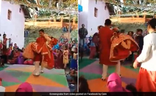 शादी की ऐसी खुशी! दुल्हन को गोद में लेकर झूम उठा दूल्हा, देखें वीडियो