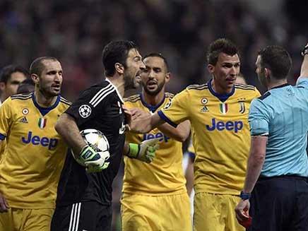 Champions League: Gianluigi Buffon Rages As Cristiano Ronaldos Late Penalty Puts Real Madrid Into Semi-Final