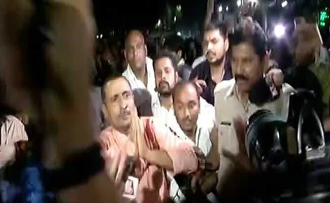 रेप  के आरोप में बीजेपी विधायक कुलदीप सिंह सेंगर को सीबीआई ने सुबह 5 बजे लिया हिरासत में