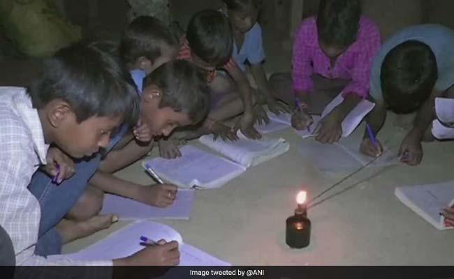उत्तर प्रदेश में 1 करोड़ 31 लाख घरों में आज तक नहीं पहुंची बिजली, कैसे पूरी होगी पीएम मोदी की दी डेडलाइन