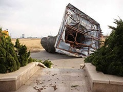 Wind Topples 6-Tonne Statue Of China's First Emperor