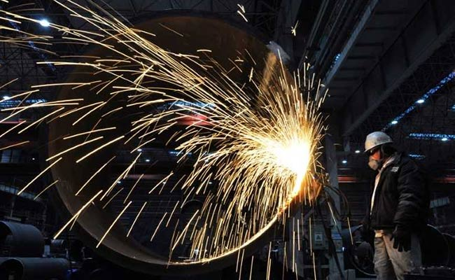 China First-Quarter GDP Grows 6.8 Per Cent, Slightly More Than Expected