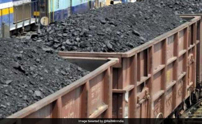 Coal India's Net Profit Rises 50% In December Quarter; Shares Fluctuate