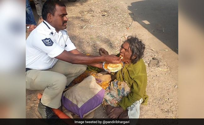 Hyderabad Cop Wins Twitter With Heartwarming Gesture For Homeless Woman
