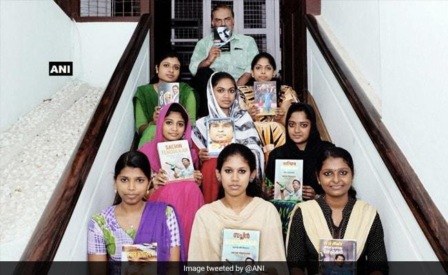 सचिन तेंदुलकर के फैन ने बनाई अनूठी लाइब्रेरी, 'क्रिकेट के भगवान' पर 11 भाषाओं में हैं किताबें