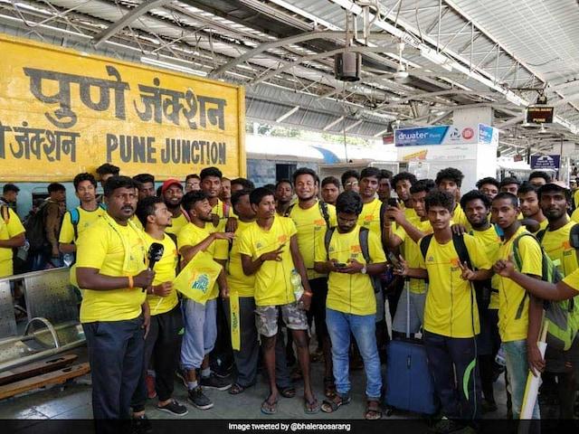Chennai Super Kings Imran Tahir Gets Emotional As Whistle Podu Express Reaches Pune
