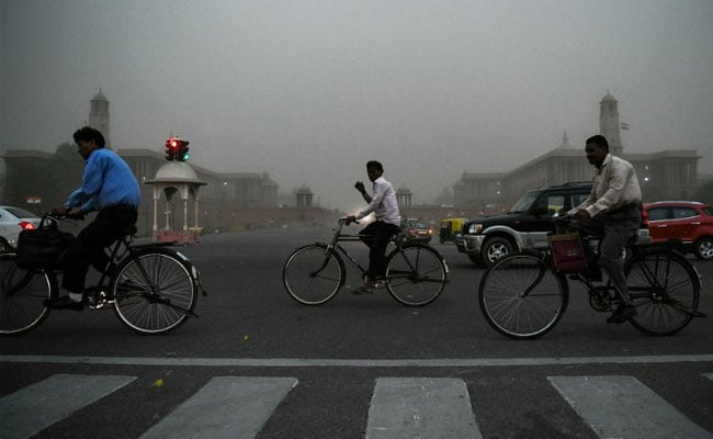 Mercury Drops In Delhi-NCR, Dust Storm Expected Today