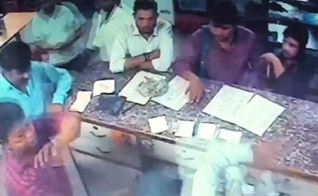 दिल्ली : आपराधियों के हौसले बुलंद, होटल मालिक की कर डाली पिटाई