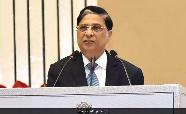 CJI दीपक मिश्रा ने कहा, गोरक्षा के नाम पर न हो हिंसा, SC ने फैसला रखा सुरक्षित