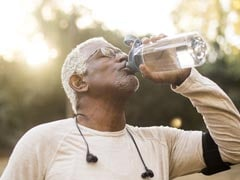 Here's Why Exercising Older Adults Should Be Drinking More Water