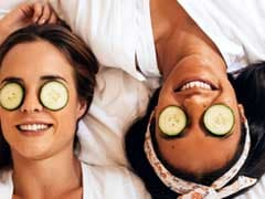 4 Summer Home Remedies To Keep Your Eyes Cool