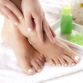 3 Easy Home Remedies To Get Rid Of Cracked Heels