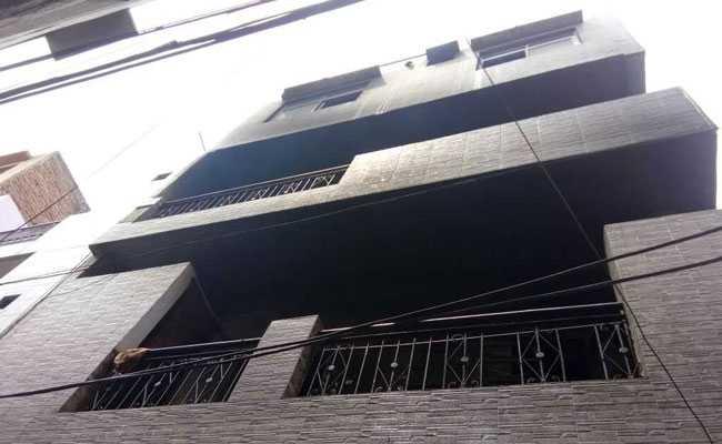 दिल्ली में अवैध जूता फैक्ट्री में लगी आग, चार मजदूरों की मौत