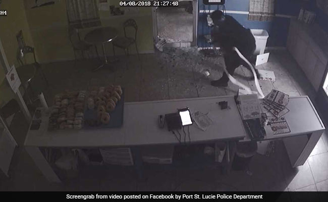 Instant Karma: Burglar Hits His Head, Drops Cash Register While Fleeing