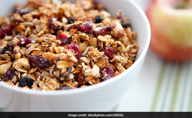 Diabetes Diet: This Almond Granola Is A Super Easy Snack You Can Add To Your Diet