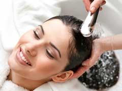 Hair Care: लंबे और खूबसूरत बालों के लिए सर्दियों में ठंडा या गरम, किस पानी से धोएं बाल