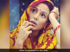 Don't Recognise <i>Bigg Boss</i>' Hina Khan In Smart Phone First Look? We Don't Blame You