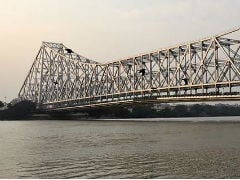 Man Scales Howrah Bridge, Throws Traffic Out Of Gear
