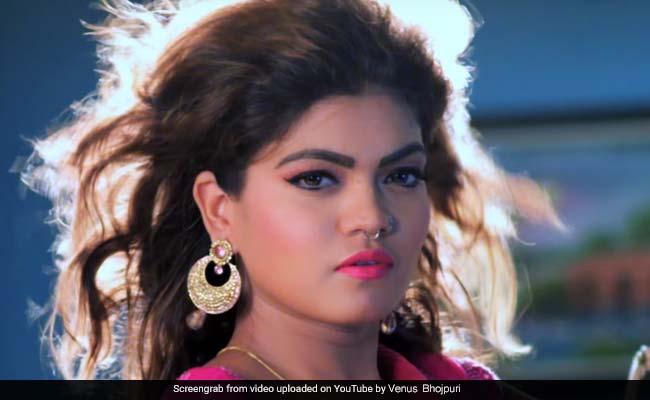 VIDEO: अक्षय कुमार का मशहूर गाना 'तू चीज बड़ी है मस्त' का देसी वर्जन