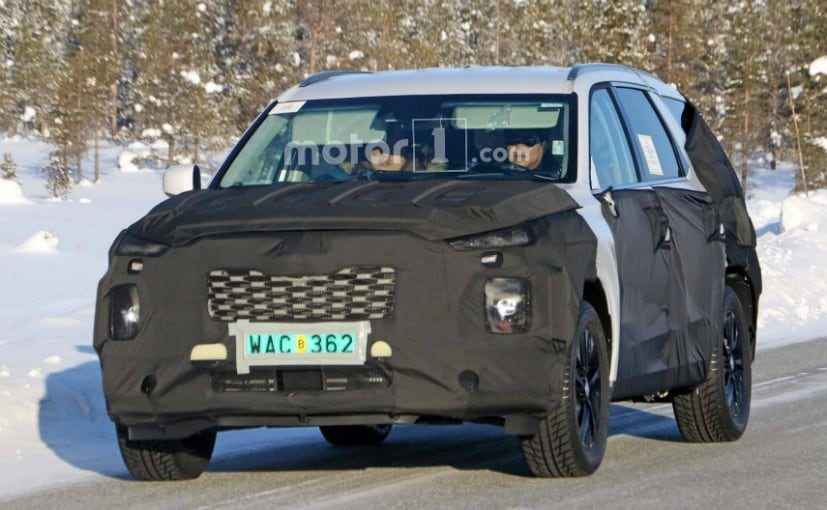 Hyundai Working On New Flagship Suv