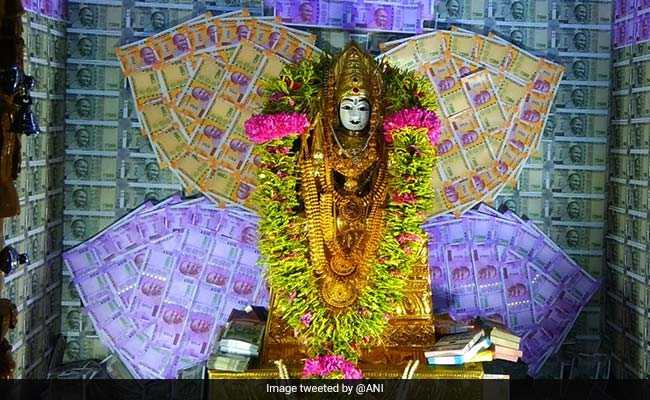 Idol In Tamil Nadu Temple Adorned With Diamonds, Pearls, Currency Notes Worth Rs 5 Crore