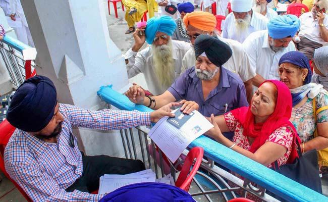1,700 Indian Sikhs Arrive In Pakistan To Celebrate Baisakhi