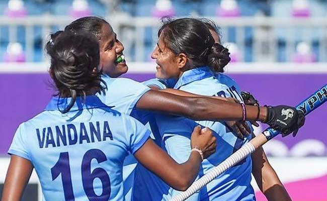 CWG 2018: भारतीय महिला हॉकी टीम सेमीफाइनल में, कप्तान रानी रामपाल और सविता का उम्दा प्रदर्शन