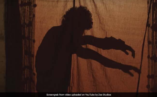 शाहिद कपूर के भाई डेब्यू से पहले कर रहे 'मुकाबला', Video में देखें कैसे दी प्रभुदेवा को टक्कर