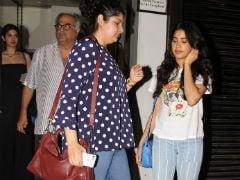 Janhvi, Khushi And Anshula's Friday Night Date With Dad Boney Kapoor