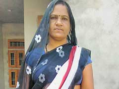 Santosh From Rajasthan Is On A Mission To Financially Empower The Women In Her Village