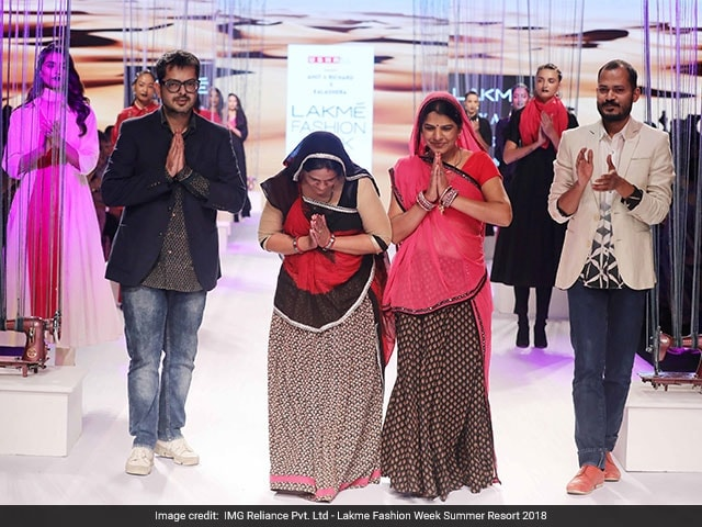 Silai School Women From Jaipur And Ahmedabad Prepare For The Lakme Fashion Fashion Week