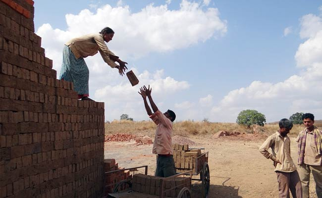 Wait, What? Madhya Pradesh State Report Finds 25% Residents Are Labourers