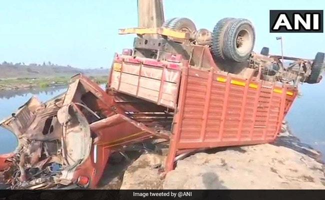 21 Dead After Mini-Truck Carrying Wedding Guests Falls Off Bridge In Madhya Pradesh