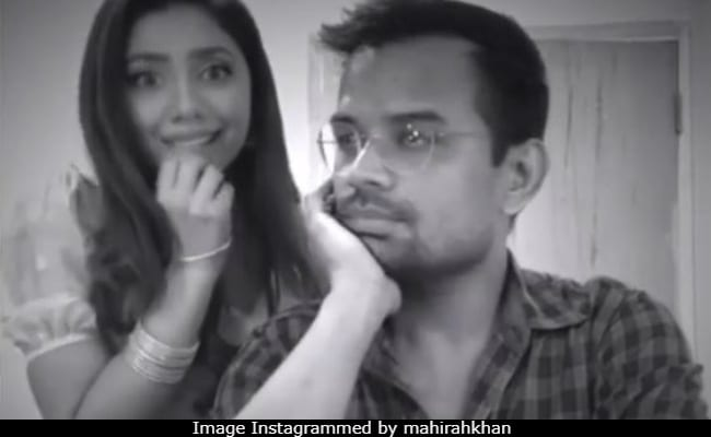 Mahira Khan recreates Raj Kapoor's song in most adorable way