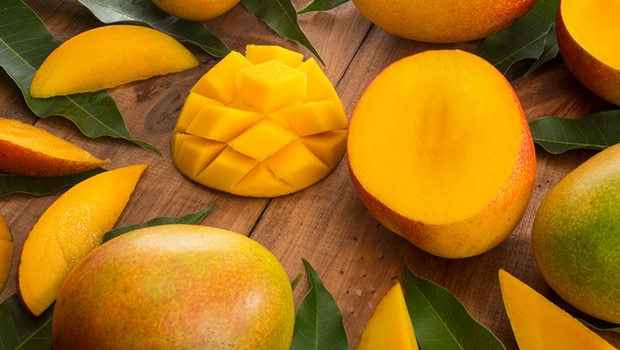 Mangoes For Monsoon: 4 Incredible Home Remedies For Skin