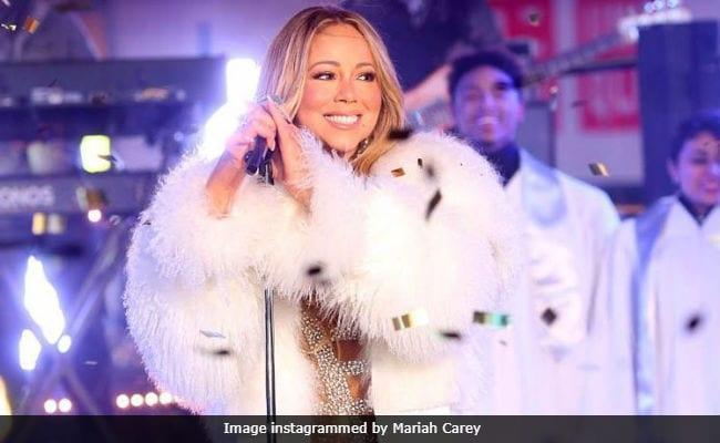 Celebrities Secret: Hollywood Singer Mariah Carey Mimi Bath With Milk