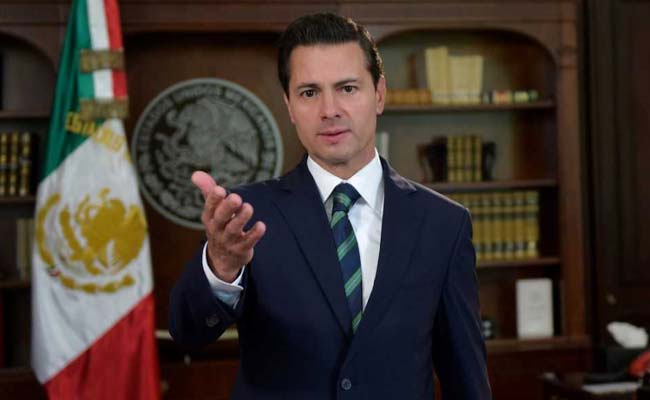 Mexico president joins political foes to blast Trump border plan