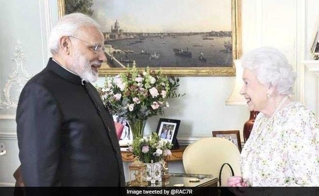 महारानी एलिजाबेथ से मिले पीएम मोदी, इंटरनेट पर इस तरह उड़ा मजाक