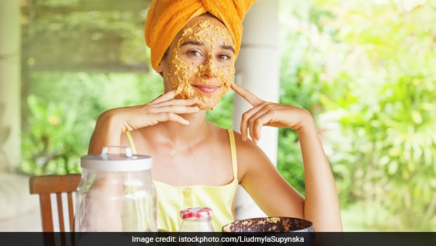 Moong Dal For Skin And Hair: 6 Amazing Homemade Green Gram Face And Hair Packs