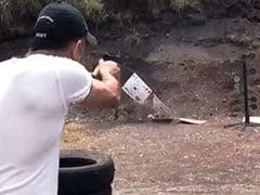 Viral Video: महेंद्र सिंह धोनी बन गए 'बंदूकबाज', धायं-धायं करके चलाई गोलियां