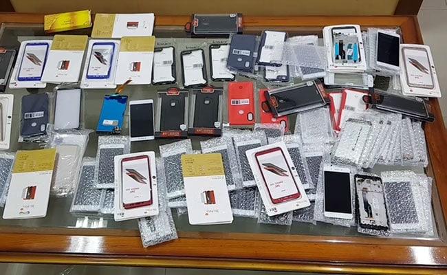 कस्टम ऑफिसर को 10 लाख की रिश्वत देने आए 2 गिरफ्तार