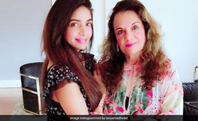 70 की उम्र में अब ऐसी दिखती हैं मुमताज, बेटी ने Video में दी सेहत की जानकारी