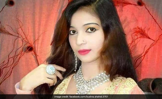 Pregnant Pakistani singer shot dead for not standing uo