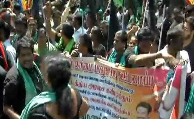 Protester Electrocuted During Shutdown In Chennai Over Cauvery Dispute