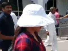 Blackbuck Case: जोधपुर जेल में 'कैदी नं. 106' से मिलने पहुंचीं प्रीति जिंटा, देखें Video