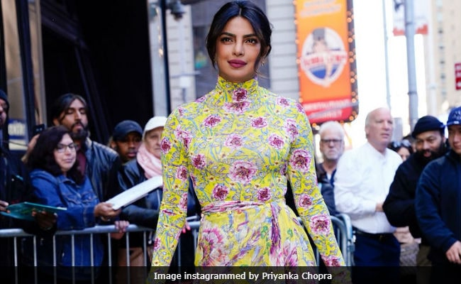 No, Priyanka Chopra Won't Be Meghan Markle's Bridesmaid. She's Still Deciding What To Wear